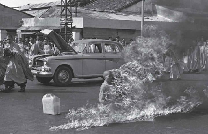 Le bonze vietnamien qui s'immole à Saigon