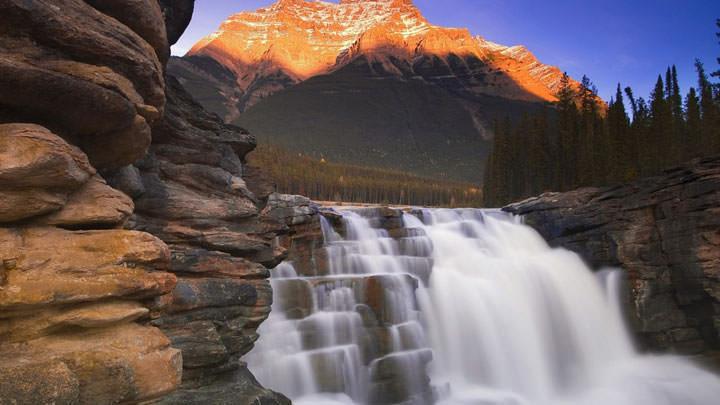 Les chutes d'Athabasca (Canada)
