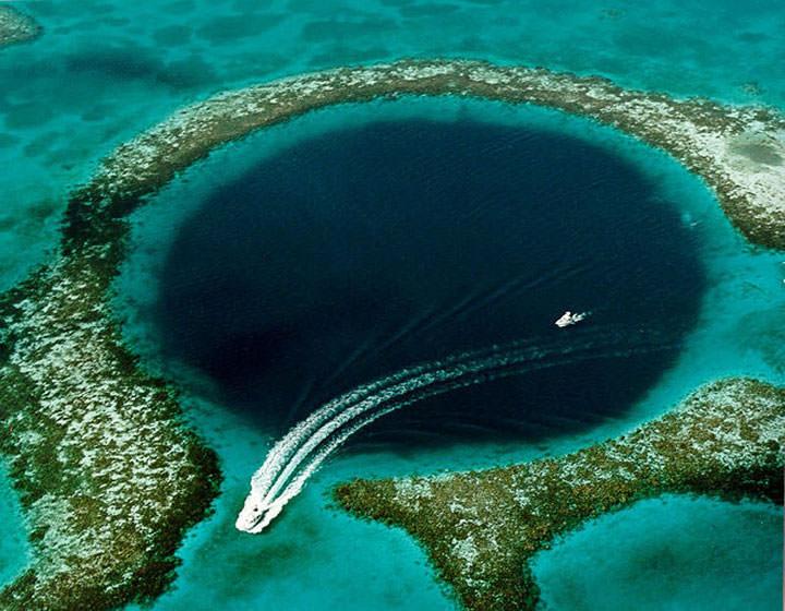 Le grand Trou Bleu (Belize)