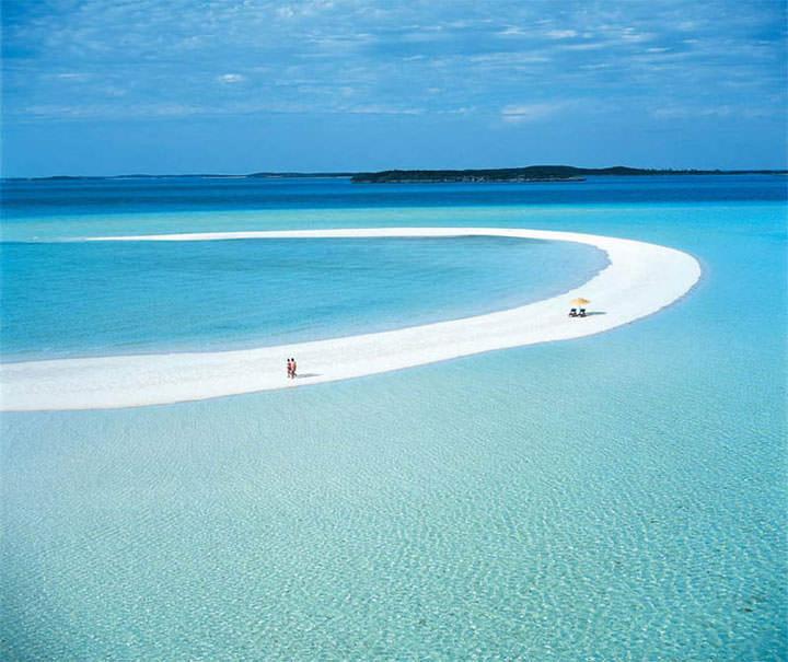 La plage de Musha Cay (Bahamas)