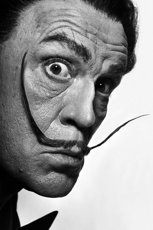 John comme Salvador Dalí