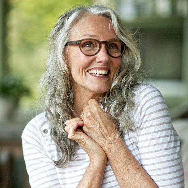 A 61 ans, Cindy Joseph est toujours active comme un modèle