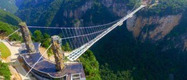 430 m, c'est la longueur du plus long pont en verre du monde