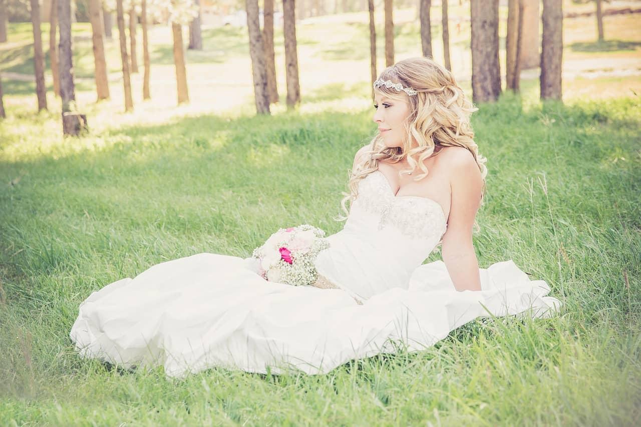 Elle découvre le jour de son mariage que son mari n'allait pas jouer au foot
