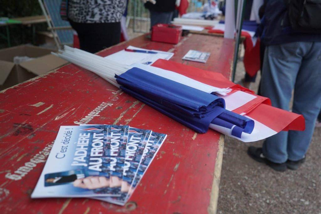 Avec son discours de rentrée politique, Marine Le Pen vise Nicolas Sarkozy