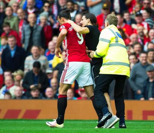 La rencontre d'Ibrahimovic avec son sosie fait la une des tabloïds britanniques